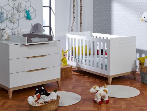 Chambre bébé Evidence blanc & Hêtre avec lit bébé, commode à langer