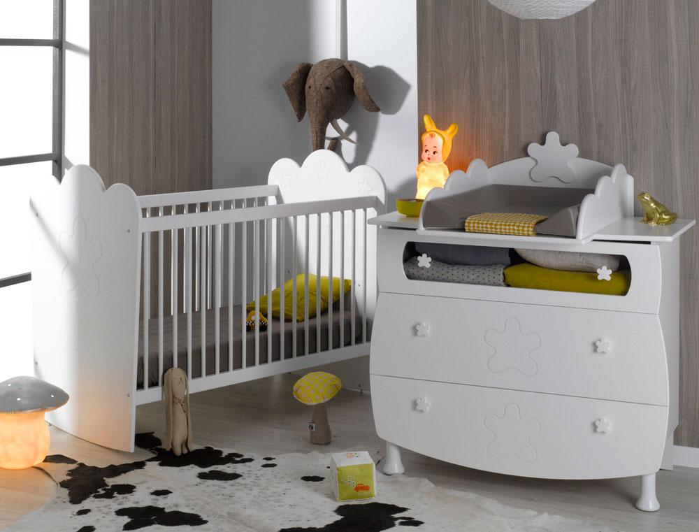 Petite chambre b b lit barreaux lin a blanc chambrekids for Lit bebe pour petite chambre