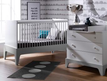 Petite chambre bébé Paris blanc/gris clair