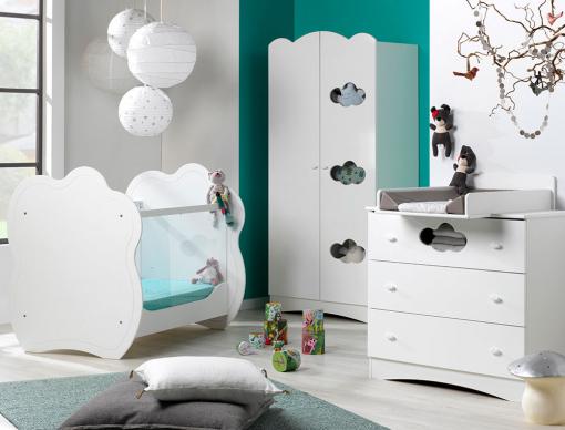 chambre b b plexiglas alt a blanc compos e d 39 un lit b b plexiglas commode armoire b b. Black Bedroom Furniture Sets. Home Design Ideas