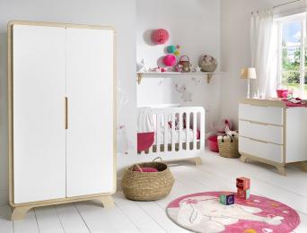 Chambre bébé Equinoxe Blanc & Bouleau. Lit évolutif + Armoire + commode et plan à langer.